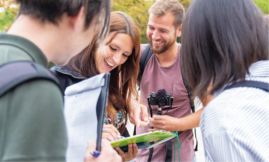 外国人観光客に英語インタビュー